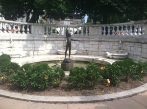 The fountain near the Mt Vernon Square on the Mt Vernon Ghost Tour